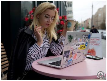 Компьютерные очки Zeiss Blue Protect ST6919-C26 на женщине фото