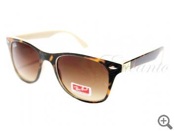Солнцезащитные очки Ray-Ban 4195 С11 с футляром 101871